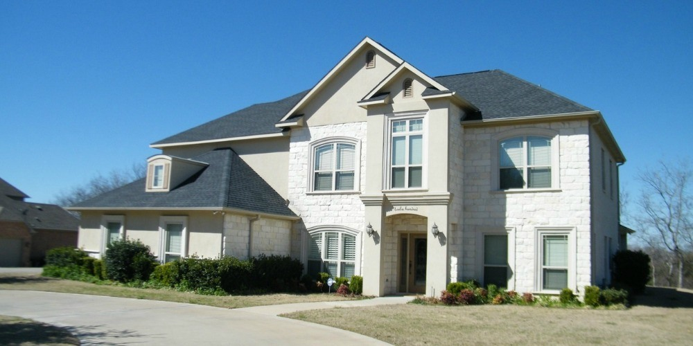 Exterior painting color ideas for brick homes kimberly painting for Painting brick exterior problems